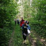 Rodzinny spacer turystyczny ścieżką przyrodniczą Plebański Las w Lipnicy Wielkiej
